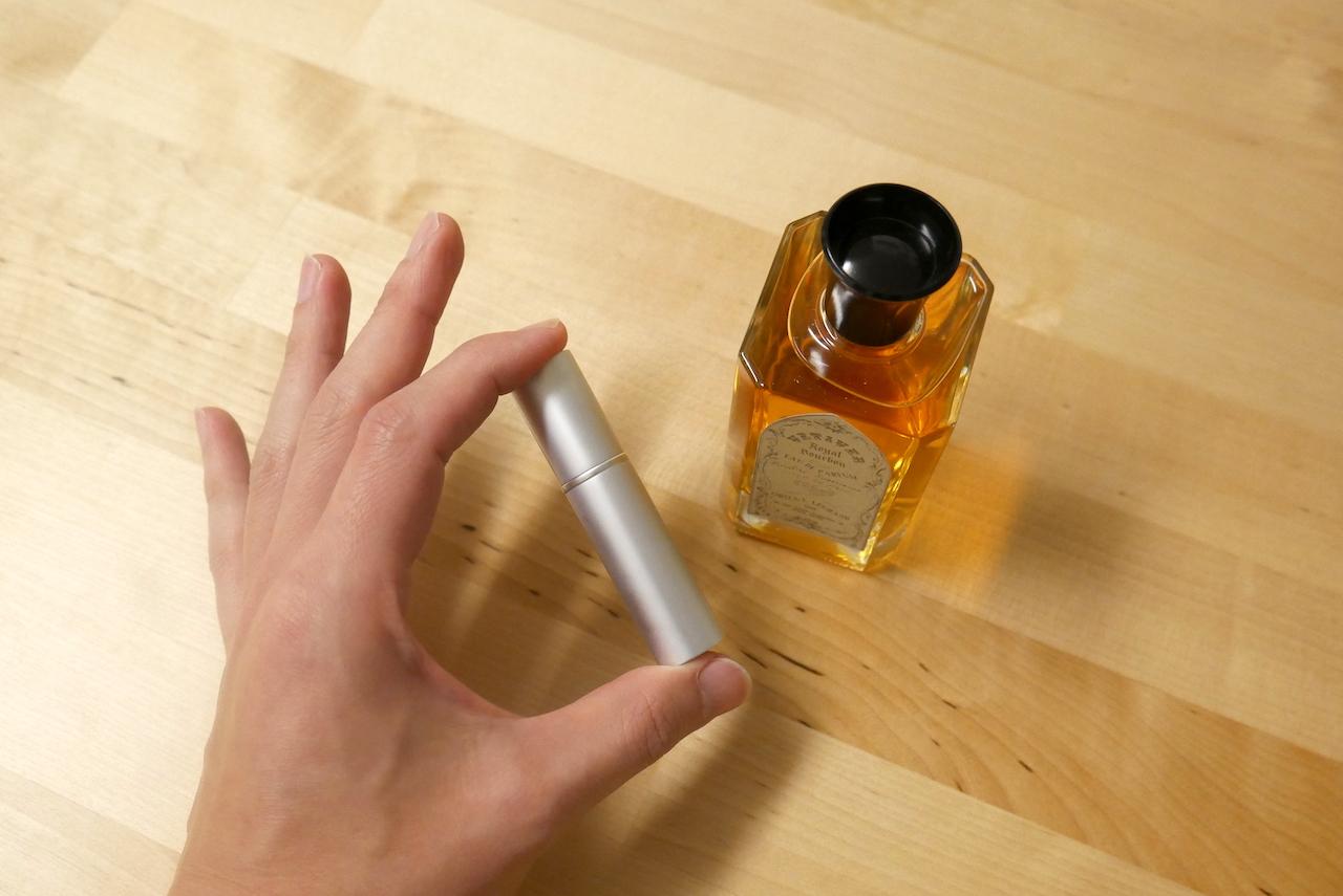 お気に入りの香りをスタイリッシュに携帯する無印のアトマイザー