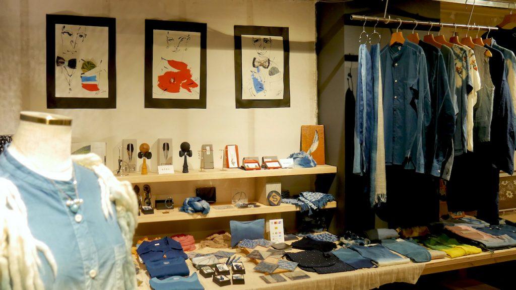 デパートでは高級品とされている本藍染め商品が安い 人宿藍染工房のショップ