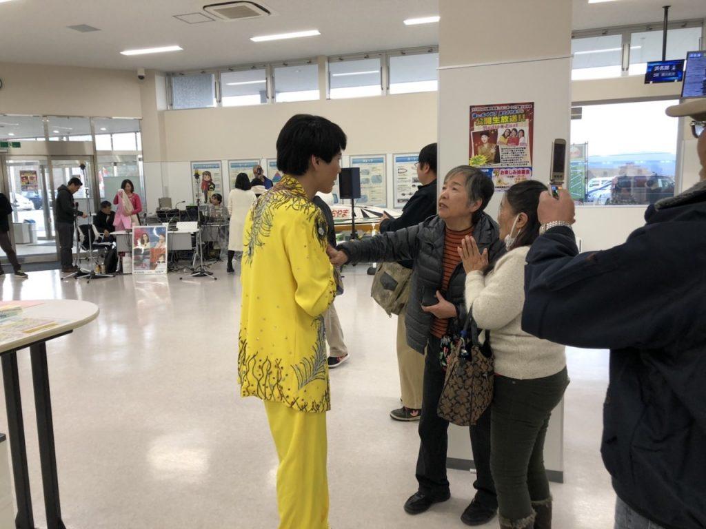 遊びに来てくれたご当地マダムたちと「ふれあいコーナー」|そのまんま美川オフィシャルブログ