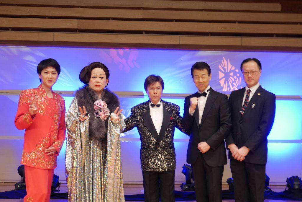 舞踊家としてもご活躍の貴麿さん(右) そのまんま美川オフィシャルブログ