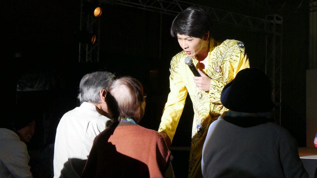何度も見たくなるそのまんま美川のステージ|去年見て面白かったから!90歳が97歳のお友達を連れて