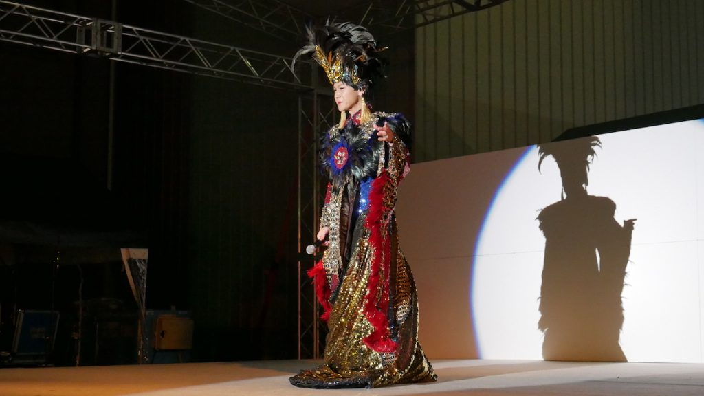 ラストは豪華衣装を添えて|そのまんま美川オフィシャルブログ